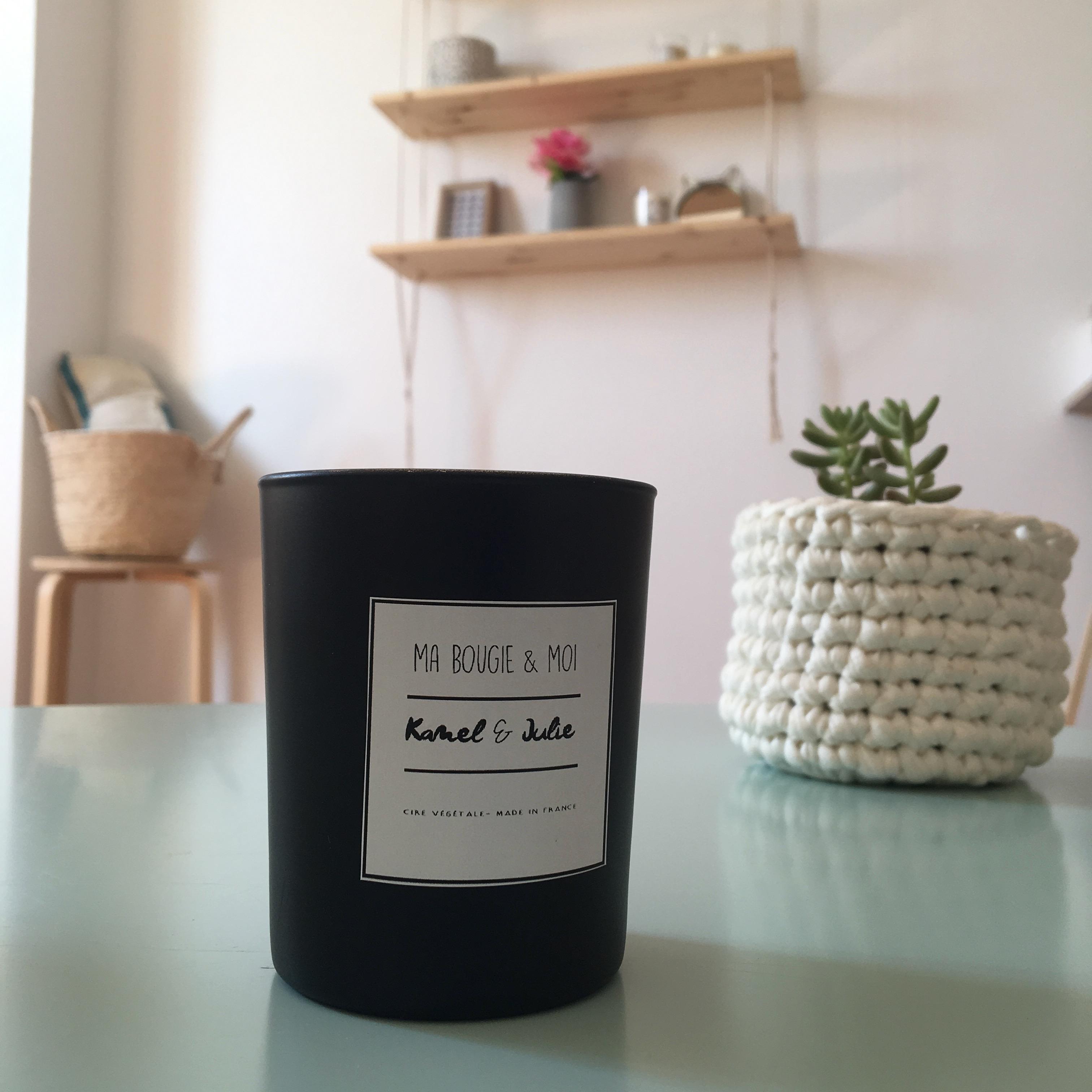 Bougie personnalisable noire linge frais made in france ma bougie et moi - Ma bougie et moi ...